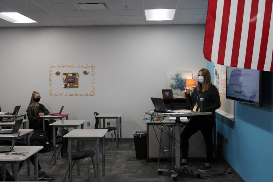 Mrs.+Huber+teaching+her+AP+Lang+class.+