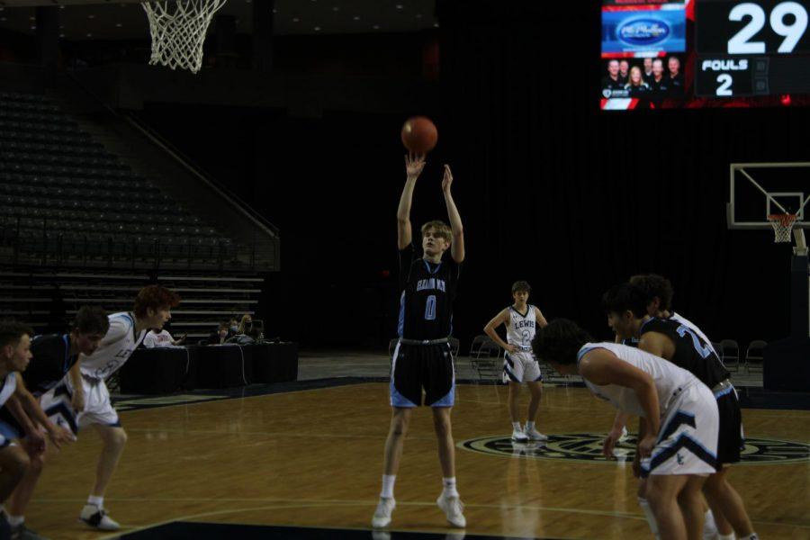 Paxon Piatkowski shooting a free throw.