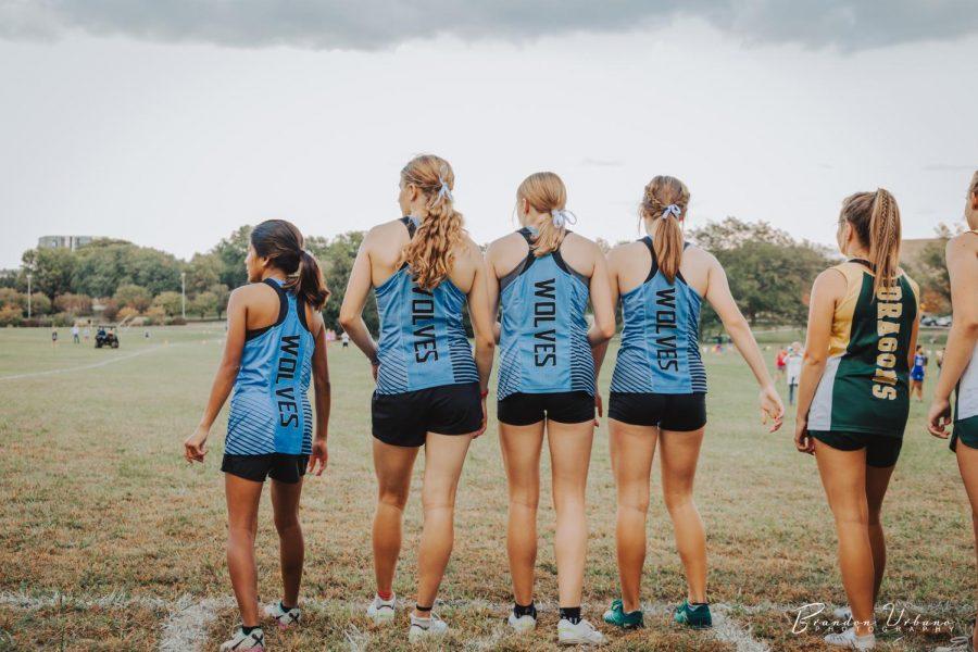Varsity girls at the starting line.