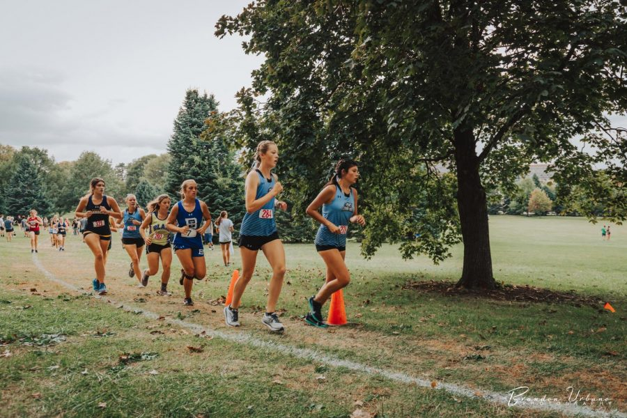 Alicia Hernandez and Ellen Owen leading the pack.